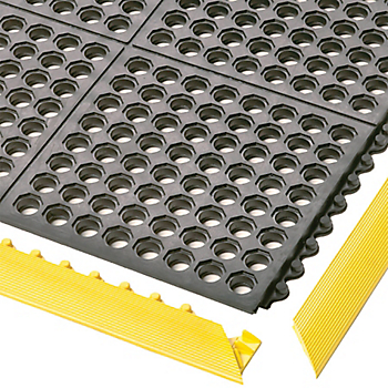 Cushion Ease™ Modular Mat Bevel Ramp
